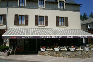 "Hôtel Restaurant ""Chez Gaubert"" façade accueil (groupes)"
