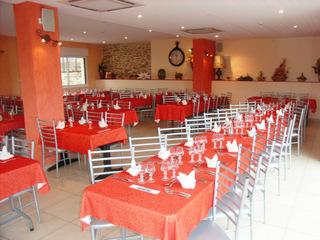 "Hôtel Restaurant ""Chez Gaubert"" salle de restaurant groupes (groupes)"