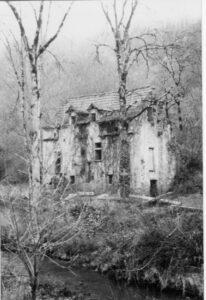 Le Moulin de Castel (groupes) Etat des lieux en 1990