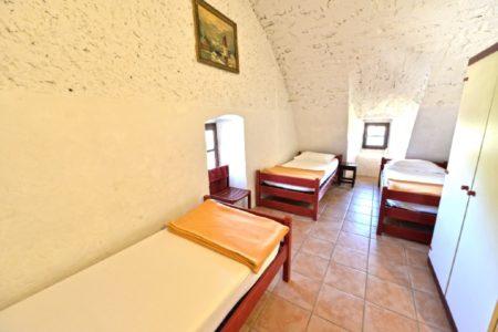 2 chambres de 3 personnes