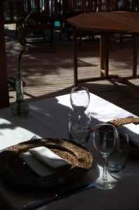AUBERGE SAINT FLEURET TABLE EN TERRASSE