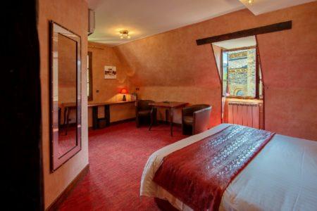 chambre de l'hôtel 3 étoiles Sainte-Foy de Conques