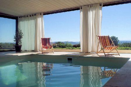 Les Caselles - piscine intérieure
