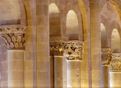 Conques - Visite guidée Tribunes et chapiteaux romans