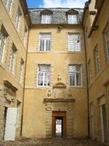Hôtel particulier à St Geniez d'Olt