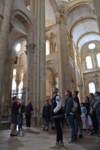 Conques - Visite guidée  Tympan, abbatiale et trésor
