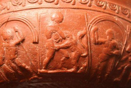 Décor de vase en céramique sigillée de la Graufesnque