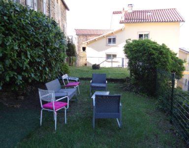 le jardin et son salon pour la détente