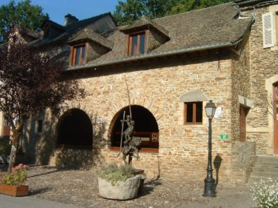 """Salle des fêtes """"Alzias de Saunhac"""""""