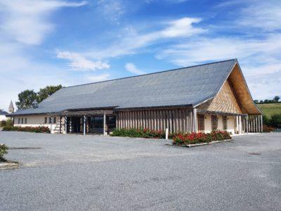 2 salles pouvant accueillir des réunions / groupes / mariages