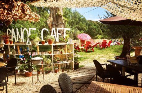 Canoe café
