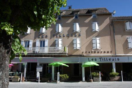 Hôtel restaurant les Tilleuls de Pareloup (groupe)