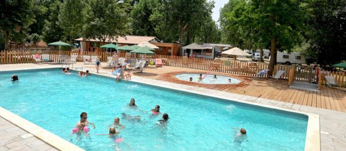 Camping Huttopia Millau -piscine