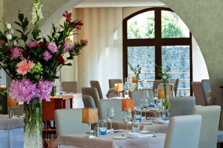Restaurant La Truyère - HOTEL LA RIVIERE