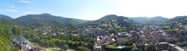 """RESIDENCE de TOURISME """"LE COLOMBIER - L'AVEYRONNAIS du NORD"""""""