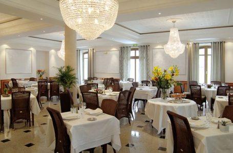 SALLE DE RESTAURANT HOTEL DU PARC