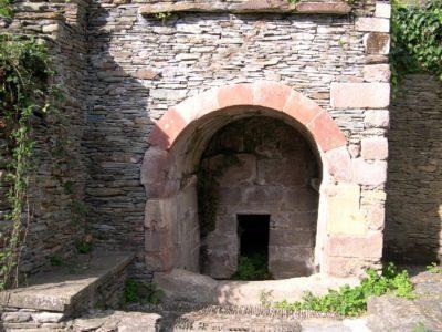 Conques - Fontaine du Barry - Visite guidée du village
