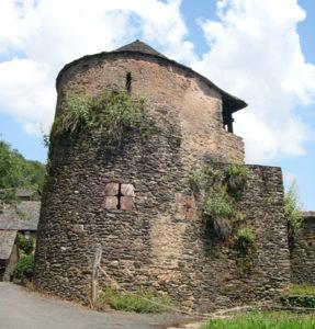 Conques - Visite thématique - Les fortifications du village médiéval