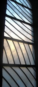 Conques - les vitraux de Pierre Soulages