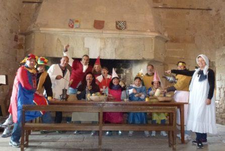 Groupe qui visite le château