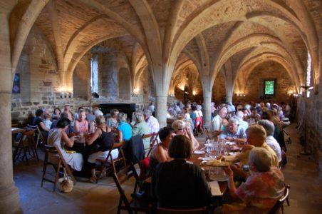 Repas de groupes dans le scriptorium