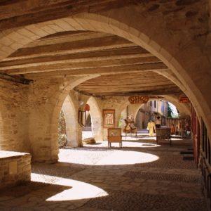 Visite commentée de la bastide royale - sauveterre de rouergue